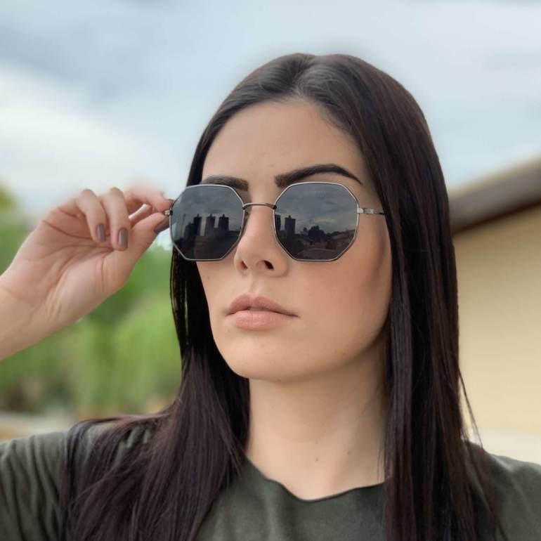 oculos de sol quadrado preto elisa 4 0 1