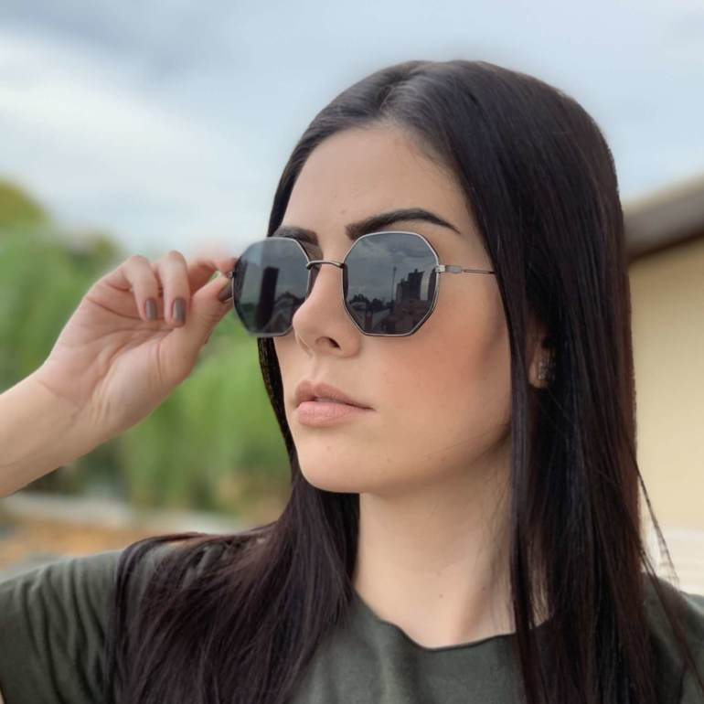 oculos de sol quadrado preto elisa 4 0 3